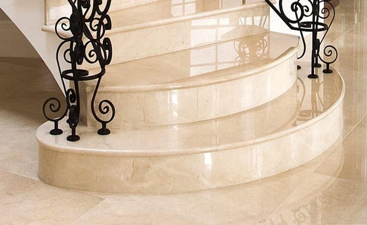 Lucidare il marmo come renderlo nuovamente lucente for Scale in marmo per interni moderne